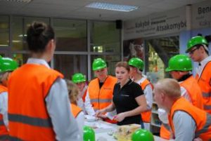 Studentų išvyka į didžiąsias Lietuvoje veikiančias įmones