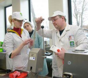 KTU pirmakursiams – žinios ir patirtis iš pripažintų maisto technologų