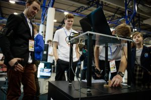 Pažintis su šiuolaikinėmis technologijomis moksleiviams atvers duris į studijų pasaulį
