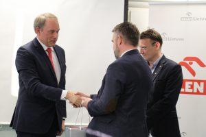 """Parašais partnerystę įtvirtinę KTU ir """"ORLEN Lietuva"""" plės bendrų veiklų spektrą"""