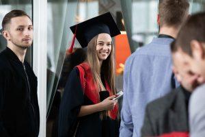 """KTU diplomų įteikimo šventėje – """"Golden Parazyth"""" muzika ir investuotojų sveikinimai"""