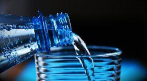 6 mitai apie vandenį ir jo vartojimą: patvirtinti ar paneigti?