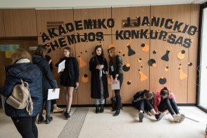 370 mokinių iš visos Lietuvos siekė pasitikrinti savo chemijos žinias