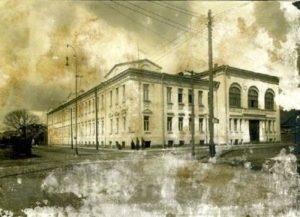KTU profesoriaus Vokietijos archyve aptiktose nuotraukose – Lietuvos universiteto ištakas menantis pastatas prieš 100 metų