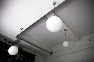apvalūs mažesni ir dideli matinio stiklo šviestuvai 2