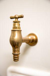 bronzinis vieno čiaupo kranas
