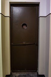 išorinės slėptuvės durys 2