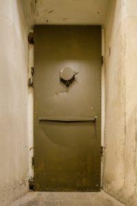 išorinės slėptuvės durys 3
