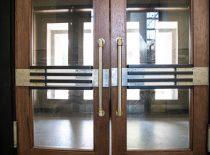 spalvoto metalo lauko ir tambūrų durų furnitūra 1