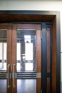 spalvoto metalo lauko ir tambūrų durų furnitūra 2