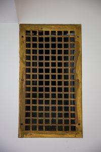 spalvoto metalo ventiliacijos angų grotelės