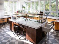stacionarūs dvipusiai laboratoriniai stalai