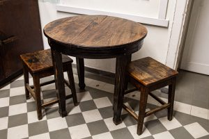 stalas ir kėdės - 114 kab.