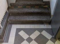 teraco laipteliai su grindjuoste iš 319 patalpos į terasą
