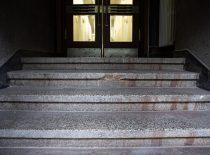 teraco laipteliai su grindjuostėmis tambūruose