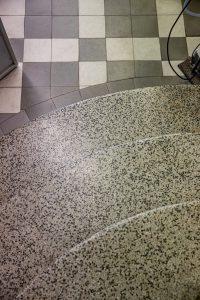 užapvalinti teraco laipteliai su grindjuostėmis 1